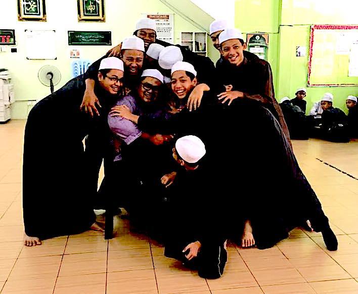 Khalifah Model School (Secondary) di Hati